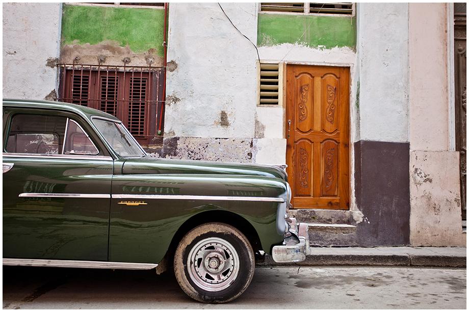 Hawana ze starym samochodem
