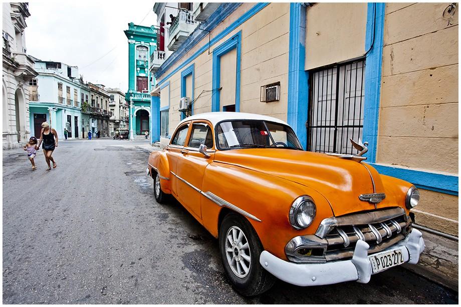 Hawana stary samochód na ulicy