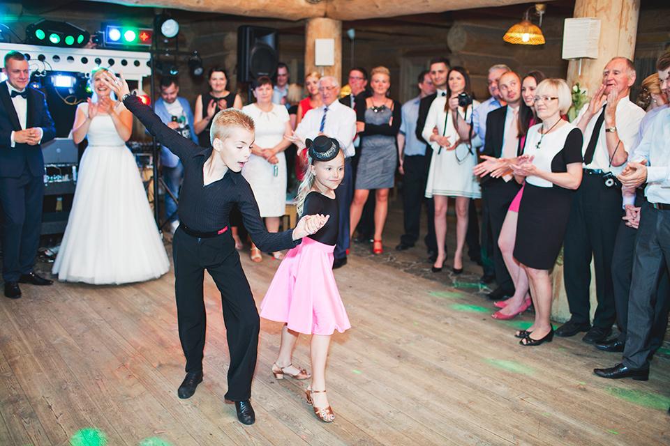 pokaz-tanca-wesele-fotograf-slubny-wroclaw-stachowiak