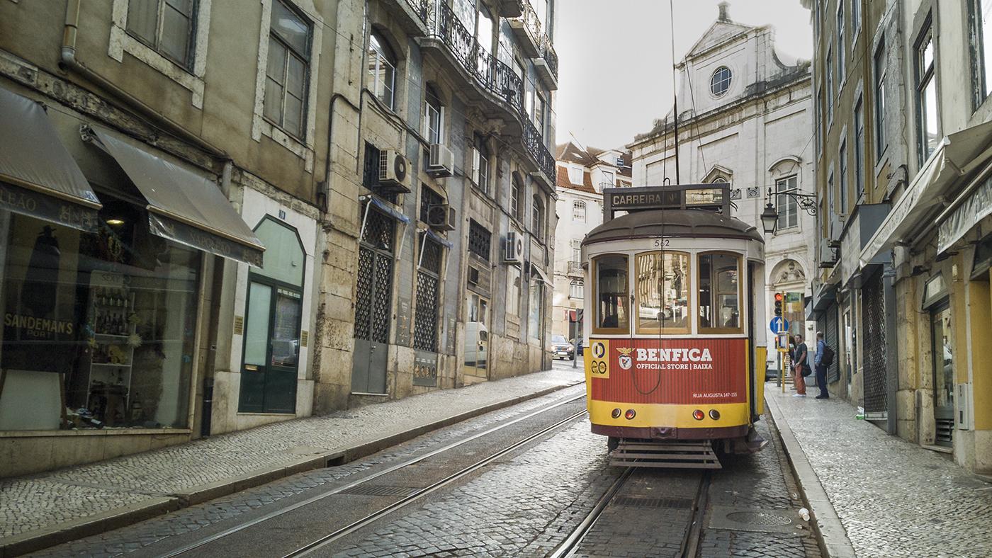 fotografia smartfonowa w podróży Lizbona tramwaje